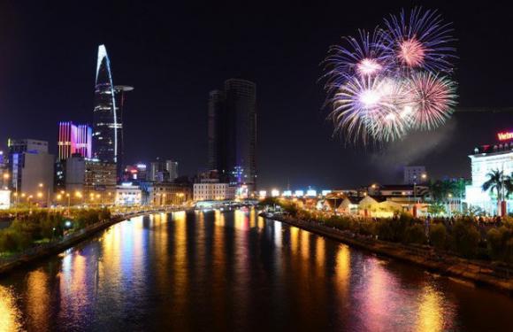 Sài Gòn tưng bừng đón mừng năm mới 2018